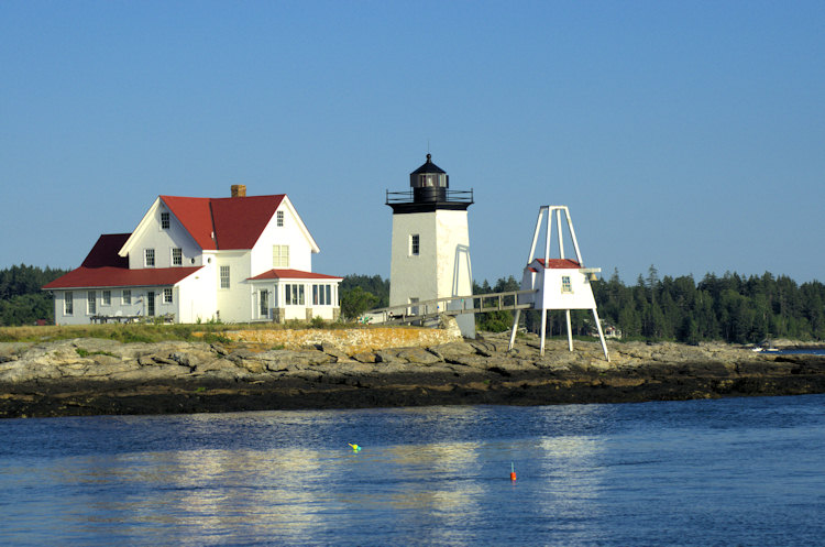 Hendrick's Head lighthouse